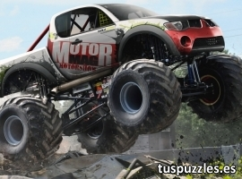 Mitsubishi monster truck