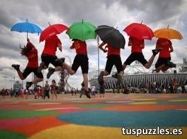 Gente saltando